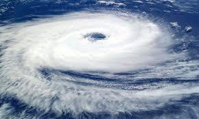 Taifun mit Auge